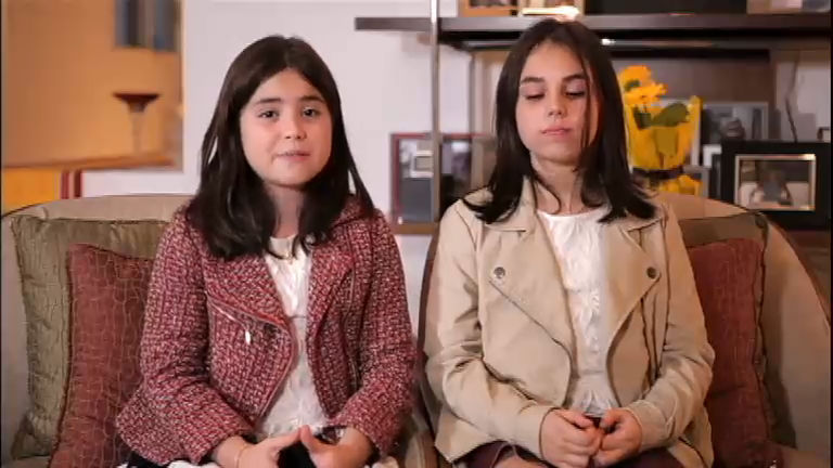 Ex-aprendiz: Karine se emociona ao reencontrar as filhas ...