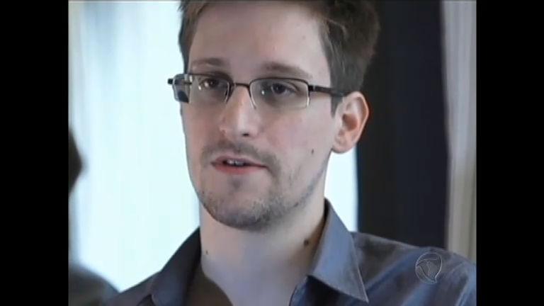 Senadores defendem asilo a Edward Snowden - Notícias - R7 ...