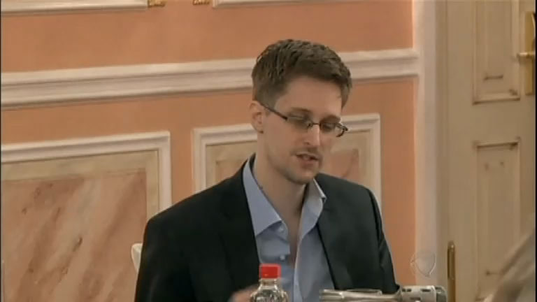 Espionagem: Edward Snowden oferece ajuda e faz apelo por asilo ...
