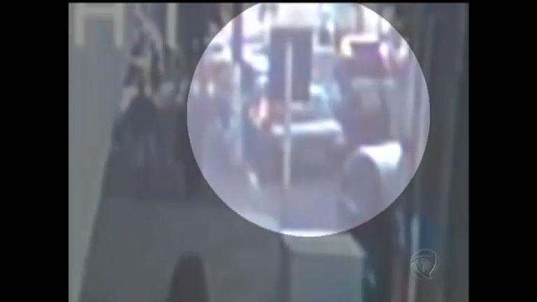 Mulher é baleada após marido lutar com assaltante em Novo ...