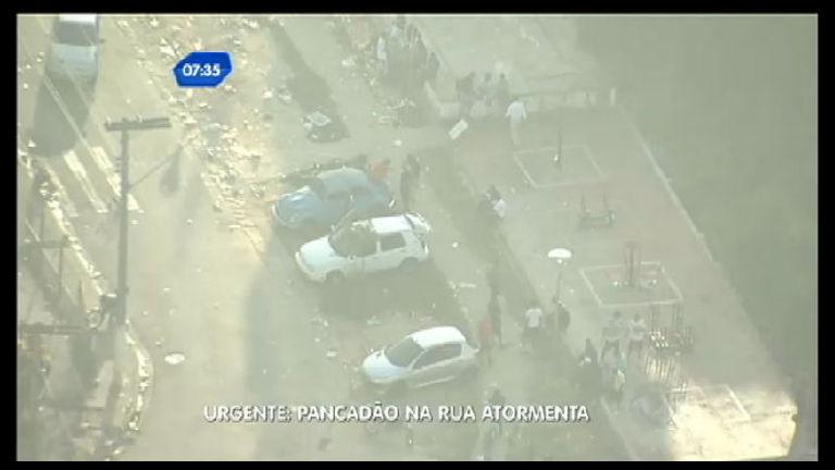Pancadão no meio da rua atormenta moradores em Osasco (SP ...