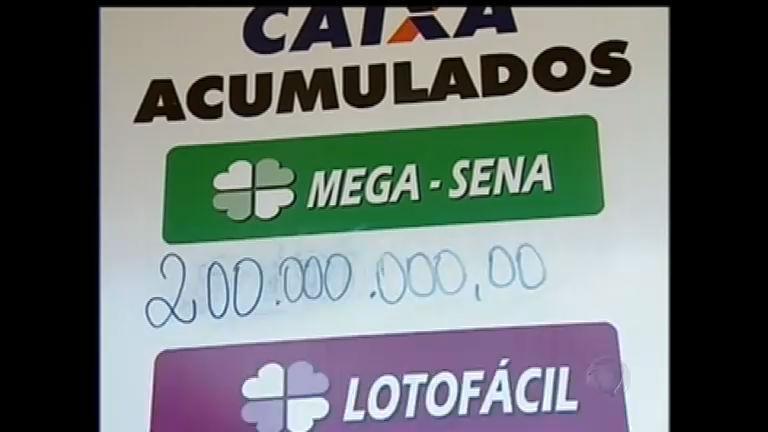 Com prêmio de R$ 200 milhões, Mega- Sena da Virada atrai ...