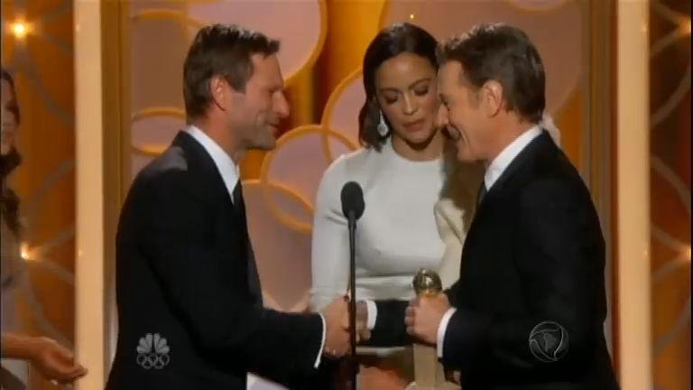 Breaking Bad vence prêmio de série dramática no Globo de Ouro ...