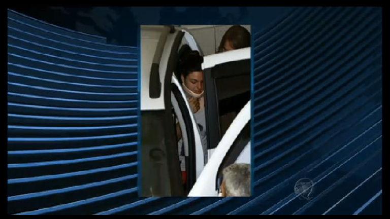 Ísis Valverde deixa hospital após fraturar a coluna em acidente de ...