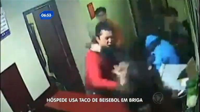 Hóspede usa taco de beisebol em briga na China - Notícias - R7 ...
