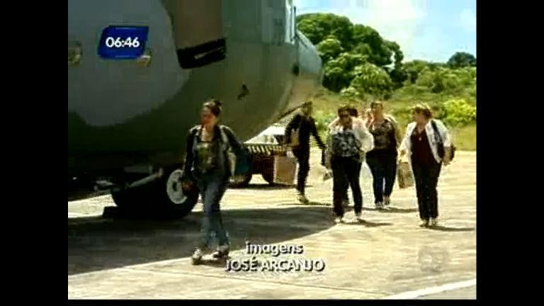 Mais médicos: cubanos desembarcam em Salvador - Bahia - R7 ...