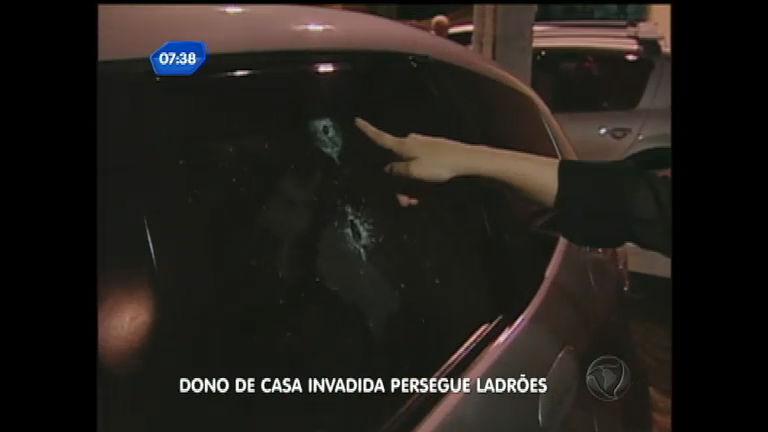 Dono de casa invadida persegue ladrões em São Vicente ( SP ...