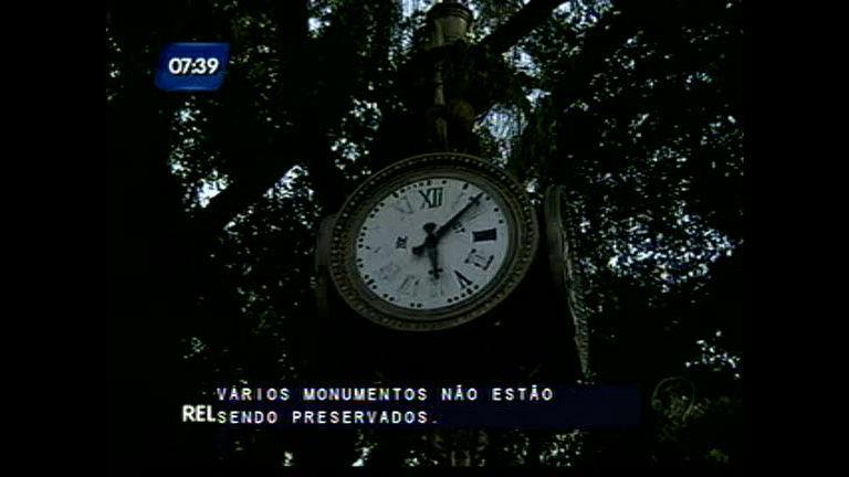 Povo condena a depredação do patrimônio público - Bahia - R7 ...