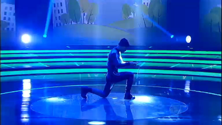 Micael Borges mostra habilidade ao dançar com corda no Isso Eu ...