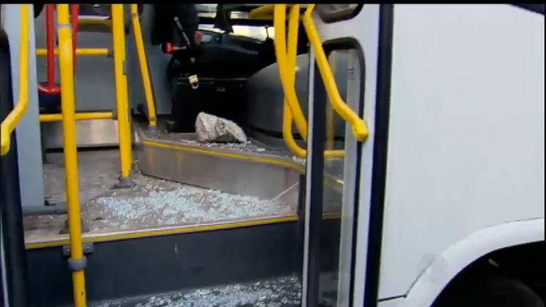 RJ: mais de 400 ônibus são depredados durante greve de motoristas