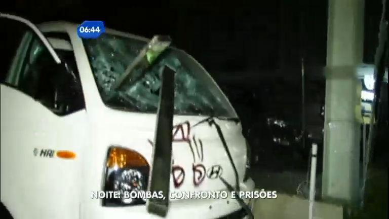 Protesto: depredação e confrontos com policiais marcam ...