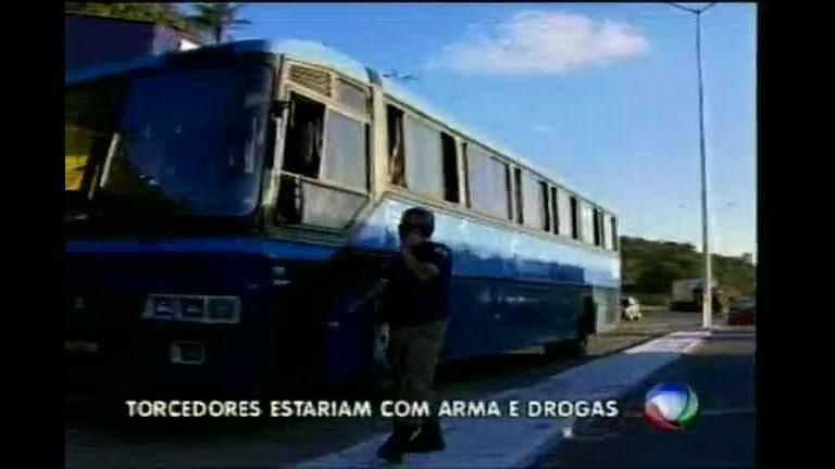 Torcedores da Gaviões da Fiel que agrediram manifestantes ...