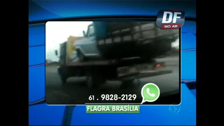 Guincho carrega caminhão quase tombando no Viaduto de Santa ...