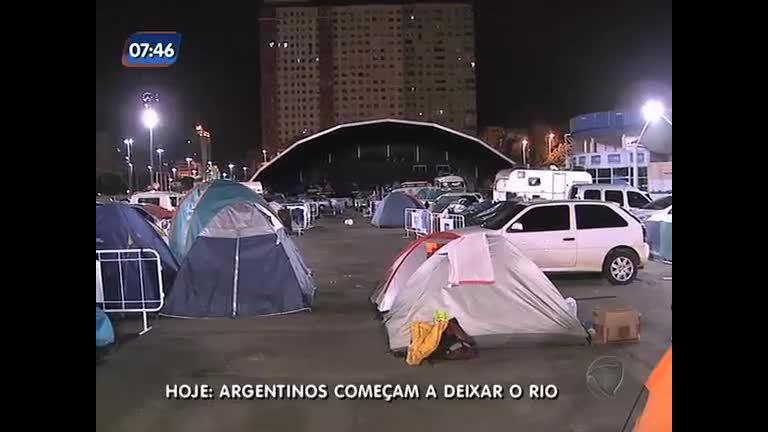 Argentinos se preparam para deixar o Brasil após derrota da ...
