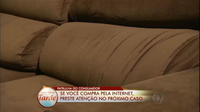 Patrulha do Consumidor: Denilson compra sofá que vem com ...