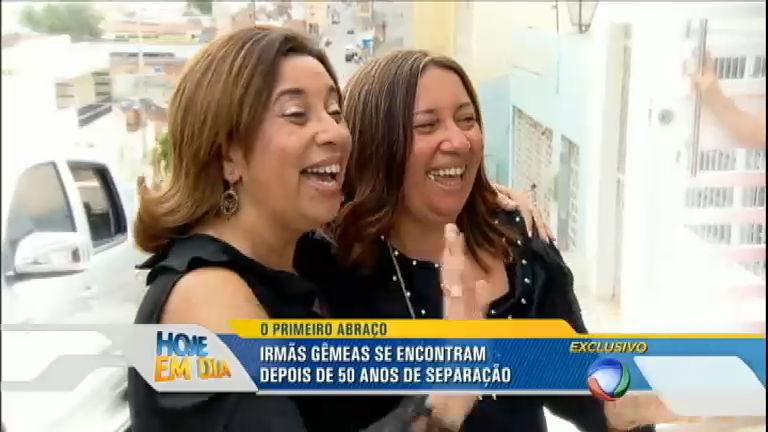 Gêmeas se encontram pela primeira vez 50 anos após o nascimento