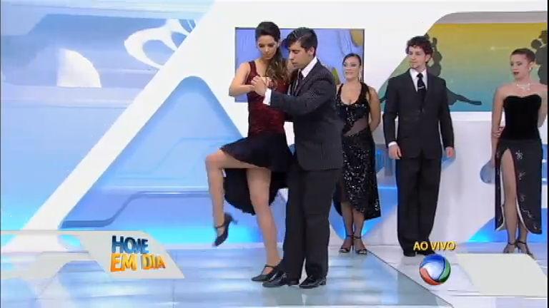 Puro charme: Mariana Leão dança tango no palco do Hoje em Dia ...