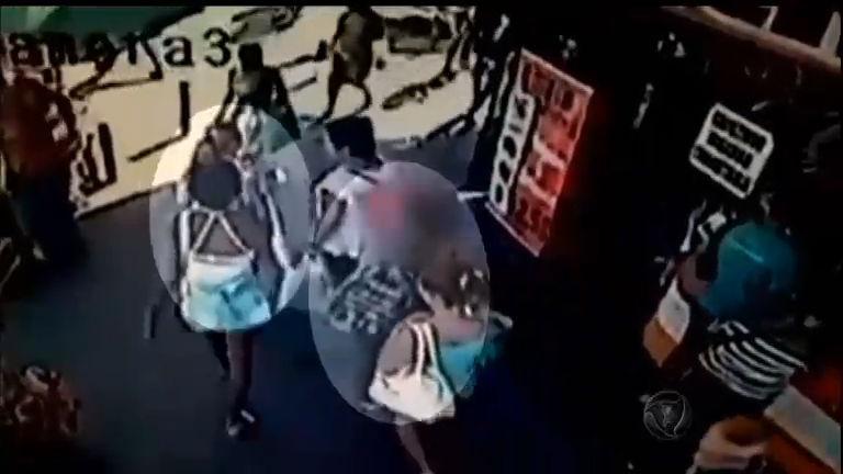 Família desesperada procura bebê sequestrado no Rio de Janeiro ...