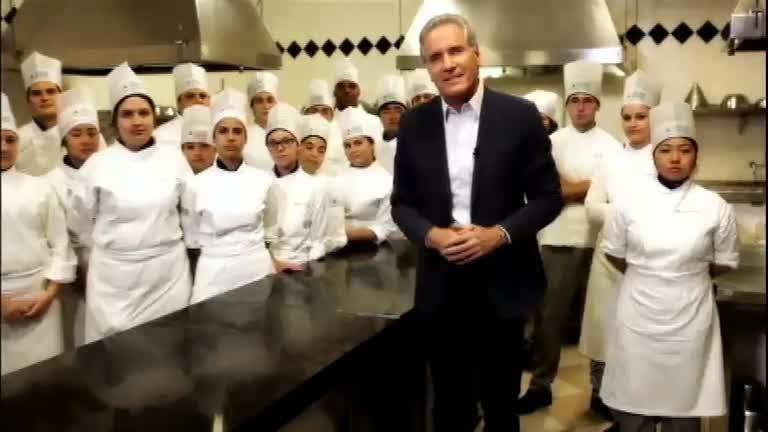 Roberto Justus coloca a mão na massa e fala sobre gastronomia ...