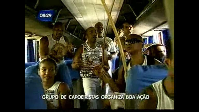 Grupo de capoeiristas organiza boa ação - Bahia - R7 Bahia no Ar