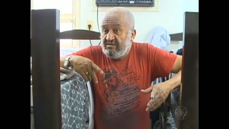 Morador de rua descobre que tem aposentadoria milionária ...
