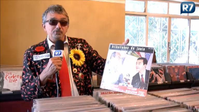 Falcão brega procura discos em sebo de São Paulo - Pop - R7 Música