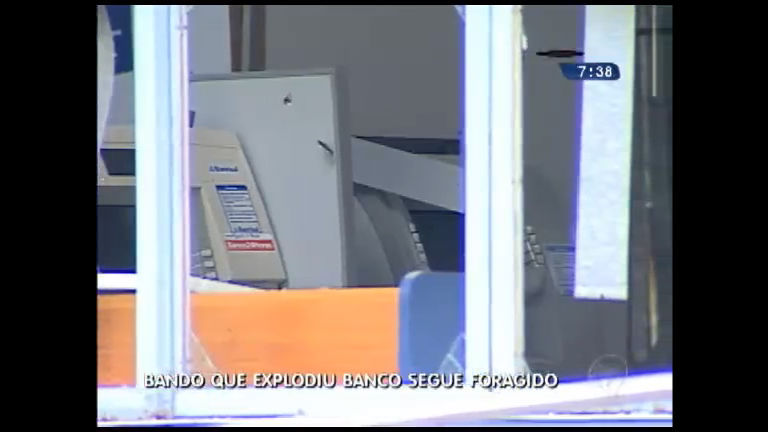 Bando que explodiu banco segue foragido - Rio Grande do Sul - R7 ...