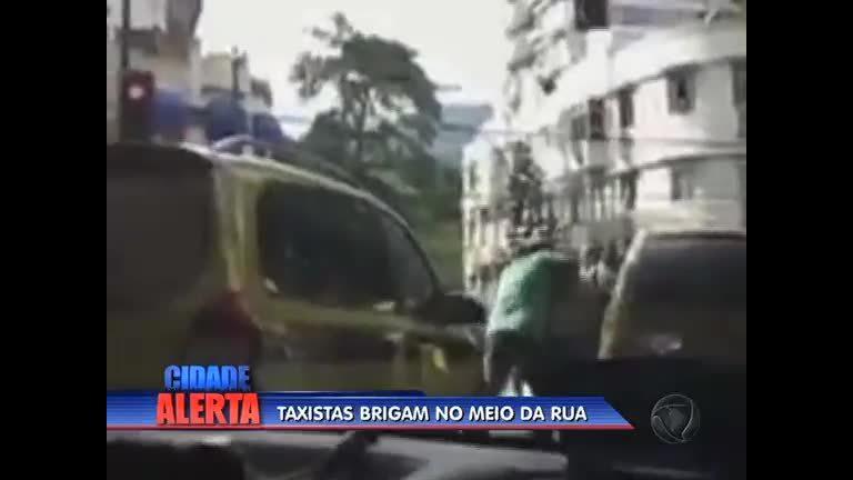 Taxistas brigam em rua de Copacabana (RJ) - Rio de Janeiro - R7 ...