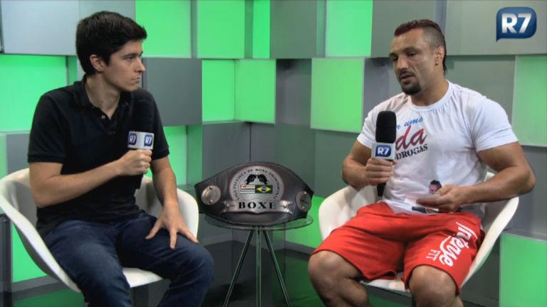 R7 Esportes entrevista o boxeador Hammer Hands, ex-policial militar