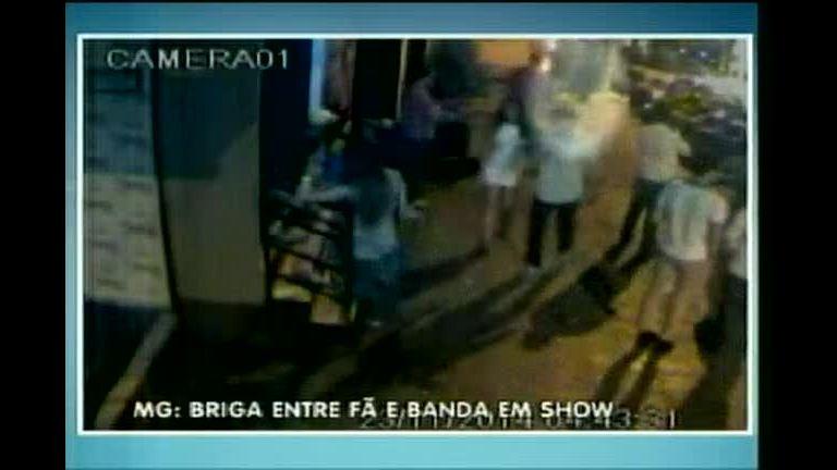 Câmeras registram briga entre fã e banda no norte de Minas - Minas ...