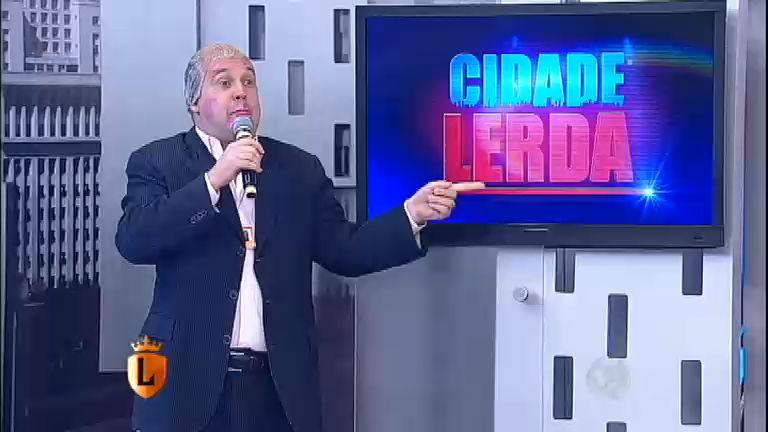 Marcelo Revende apresenta as notícias mais malucas da TV