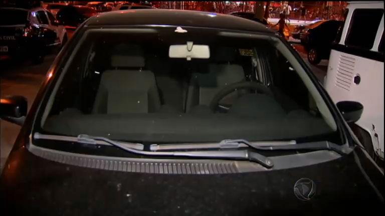 Bebê de dois anos morre ao ser esquecido dentro de carro no Rio ...