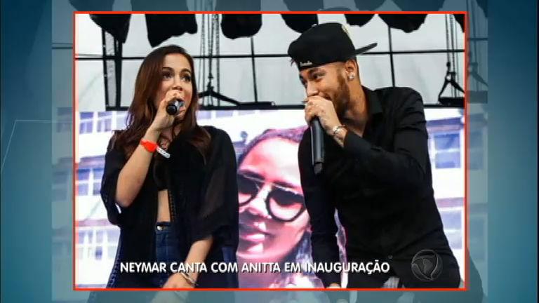 Neymar canta com Anitta em inauguração de instituto para crianças ...