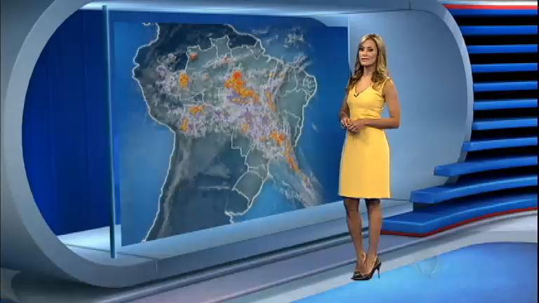 Imagens de satélite mostram nuvens sobre o interior do Brasil ...