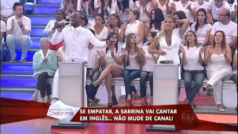 Thiaguinho enfrenta Karina Bacchi no Canta Pra Mim ...