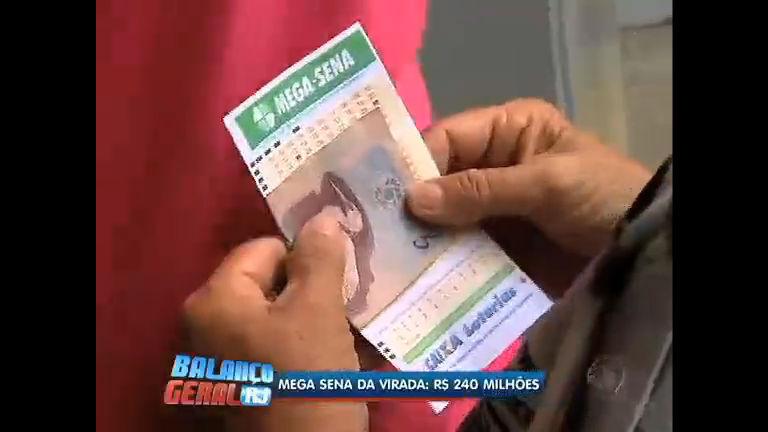 Casas lotéricas ficam lotadas de apostadores da Mega Sena da ...
