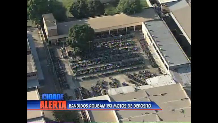 Bandidos rendem seguranças e roubam 193 motos de depósito ...