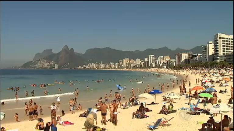 Banhistas reclamam dos preços abusivos nas praias do Rio de ...