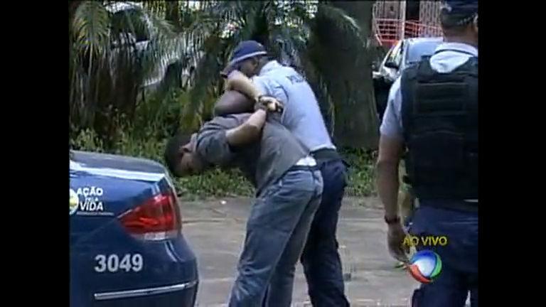 Homem que estava em carro roubado é preso em Taguatinga