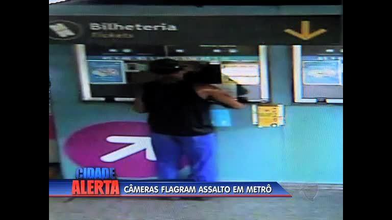 Câmeras de segurança flagram homem assaltando bilheteria do metrô em Tomás Coelho (RJ)