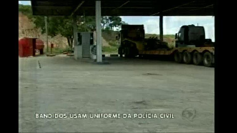Bandidos disfarçados de policiais sequestram motorista na BR-262