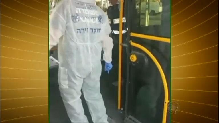 Palestino ataca passageiros de ônibus em Israel