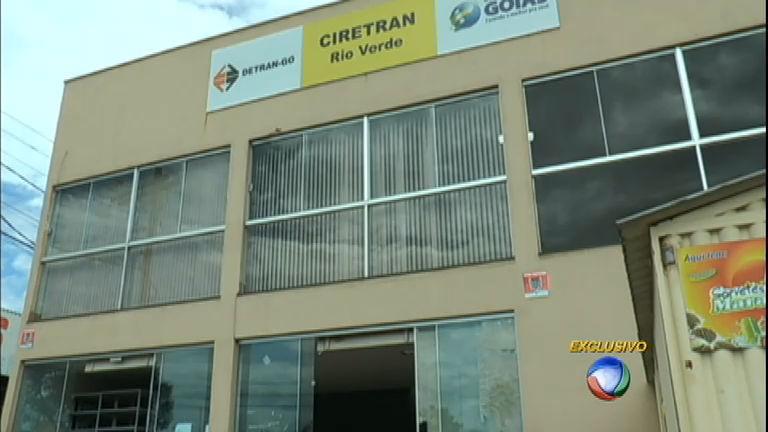 Venda de carteiras de motorista é comemorada na internet no interior de Goiás