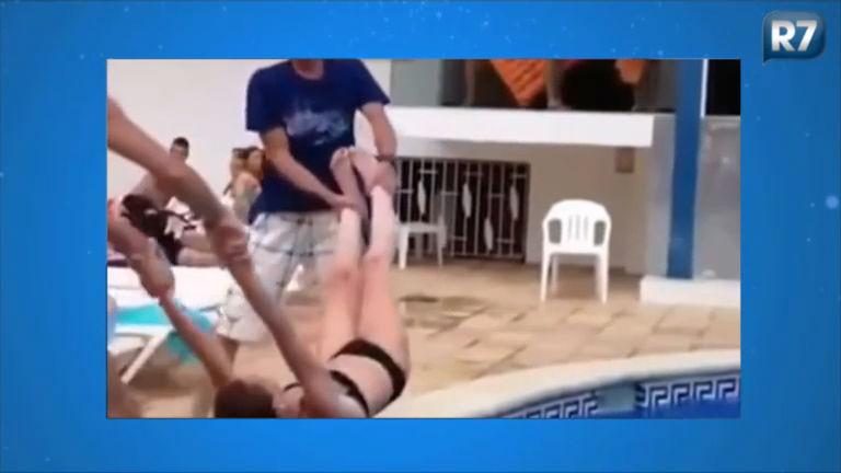 Essa doeu! Brincadeiras na piscina que deram muito errado ...