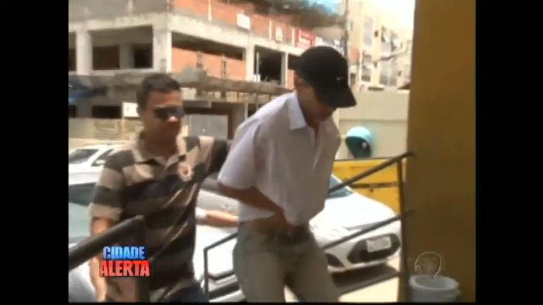 Taxista é preso acusado de assassinar ex-mulher e atirar contra sogra em MG