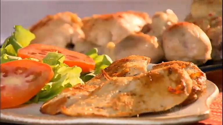Queridinho nacional: conheça os mitos e as verdades do frango ...