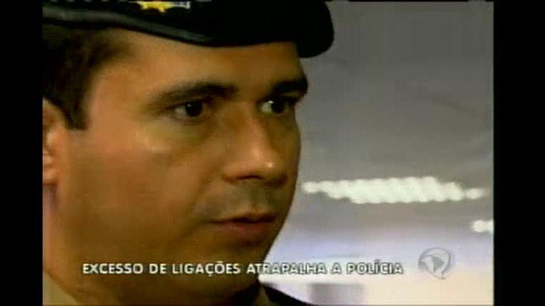 Excesso de ligações ao 190 atrapalha atendimento da PM - Minas ...
