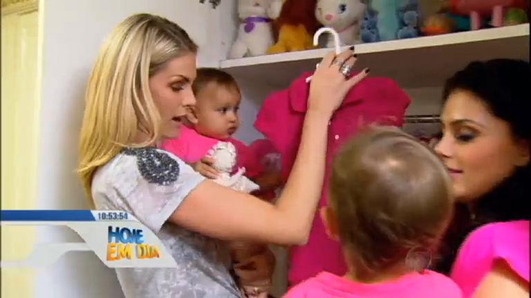 SOS Mãe: Ana Hickmann se diverte com Natália Guimarães e suas ...