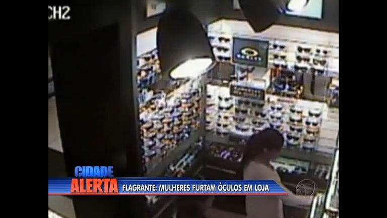 Flagrante: mulheres furtam óculos de lojas em Niterói (RJ) - Rio de ...