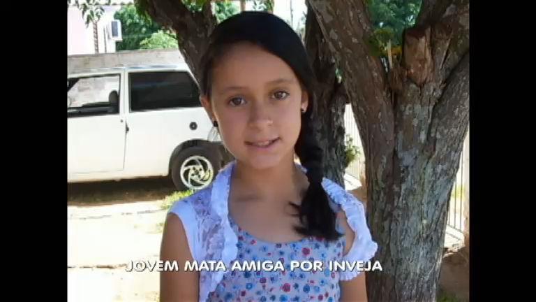 Adolescente de 14 anos é morta por inveja pela colega de escola ...